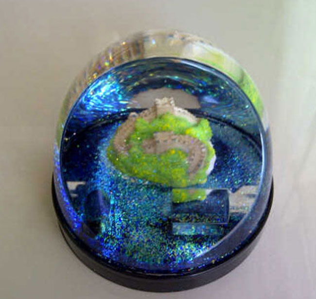 Great Wall Snow Dome. Souvenir dari China